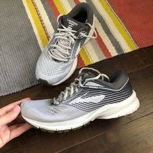 Brooks launch grey and white size 8 euc running